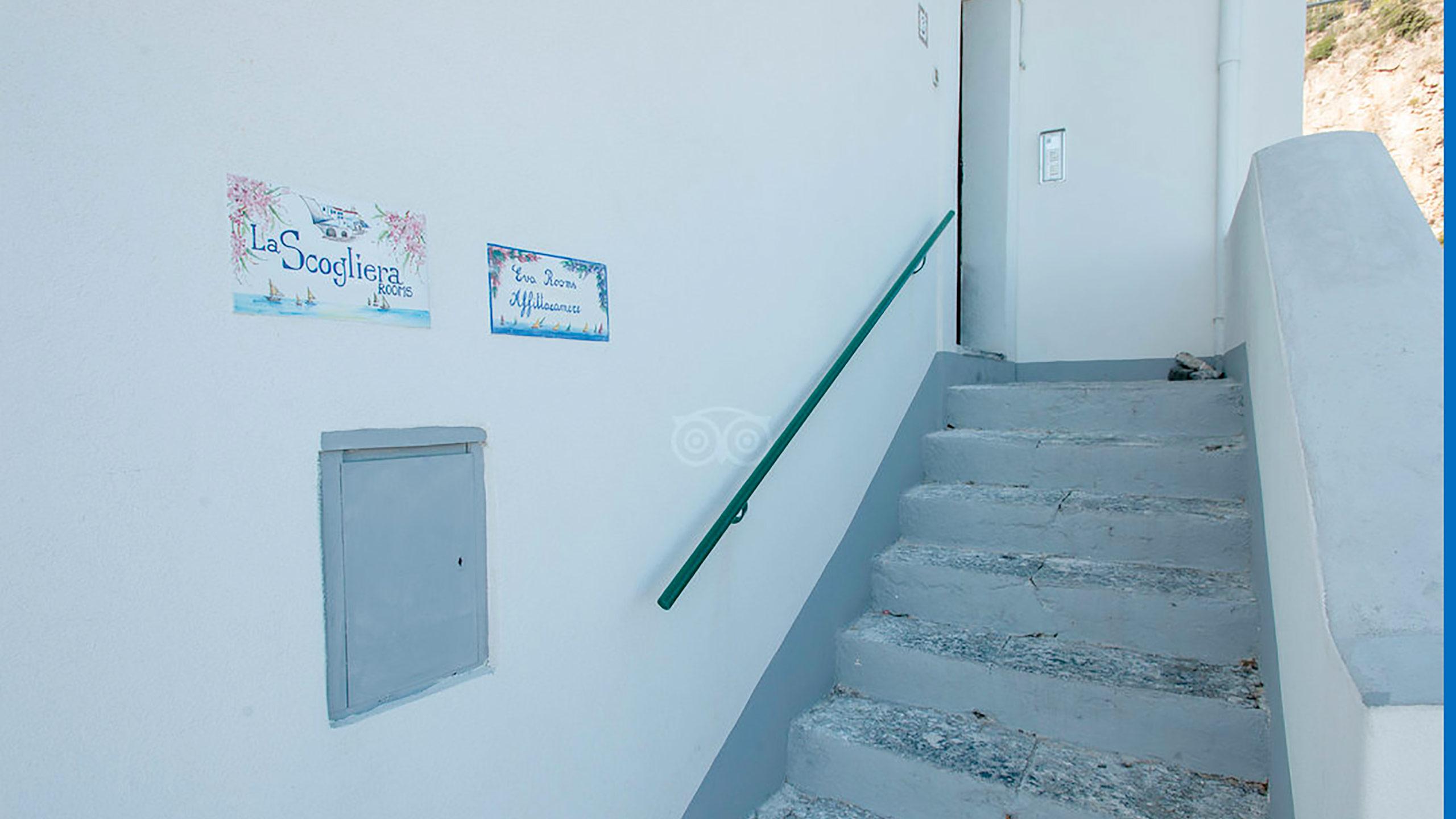 building-entrance--v10056950