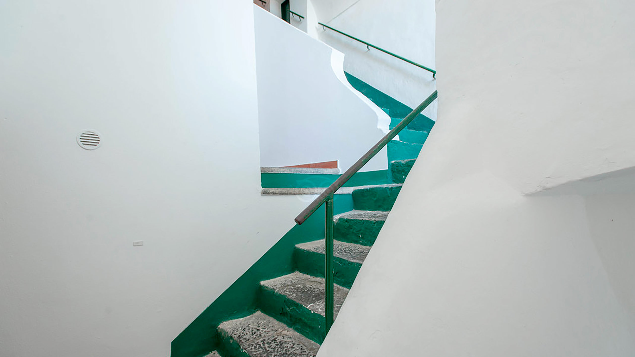 building-stairs--v10056870