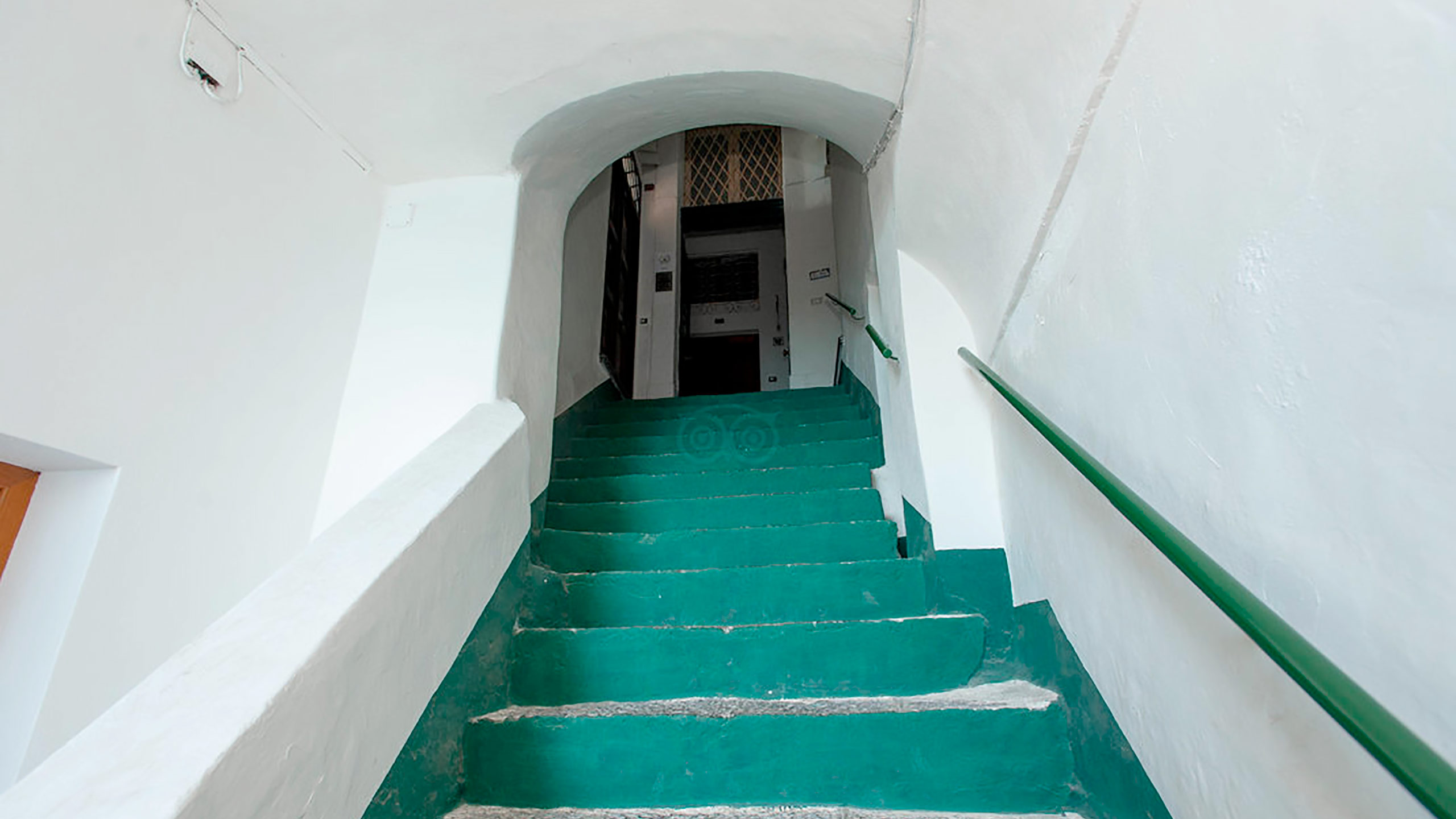 building-stairs--v10056913