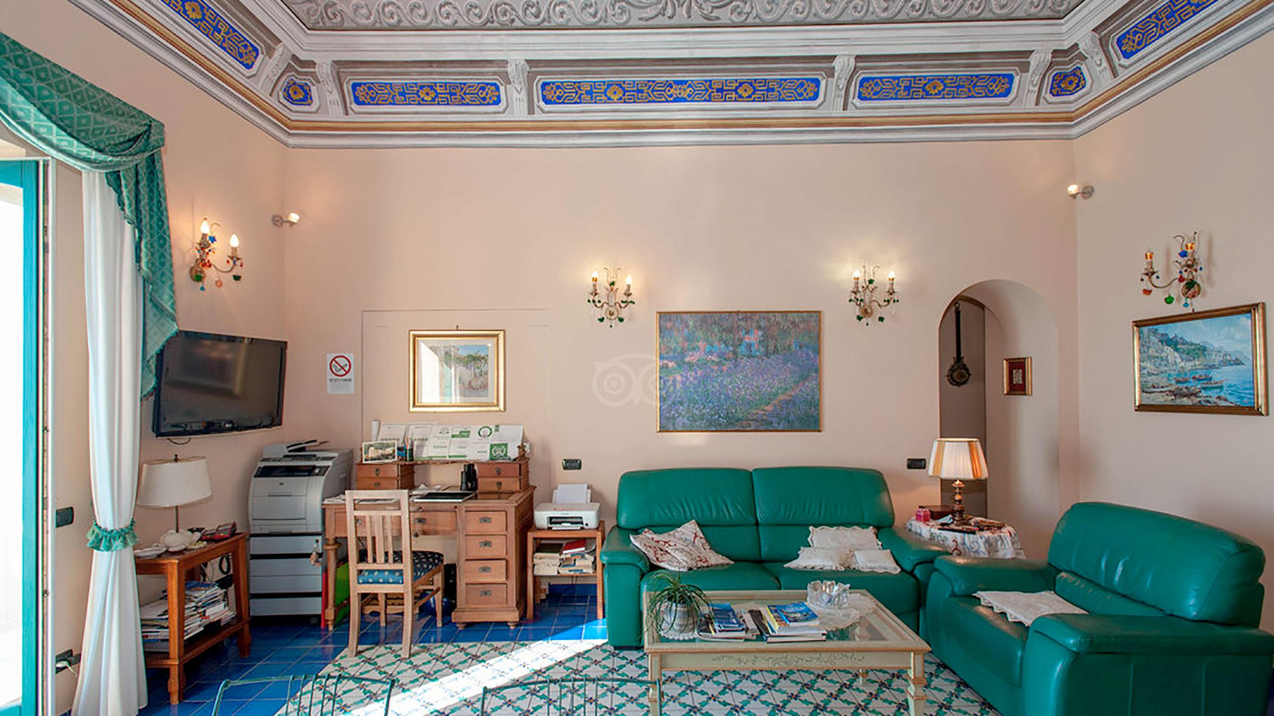 living-room--v10056919