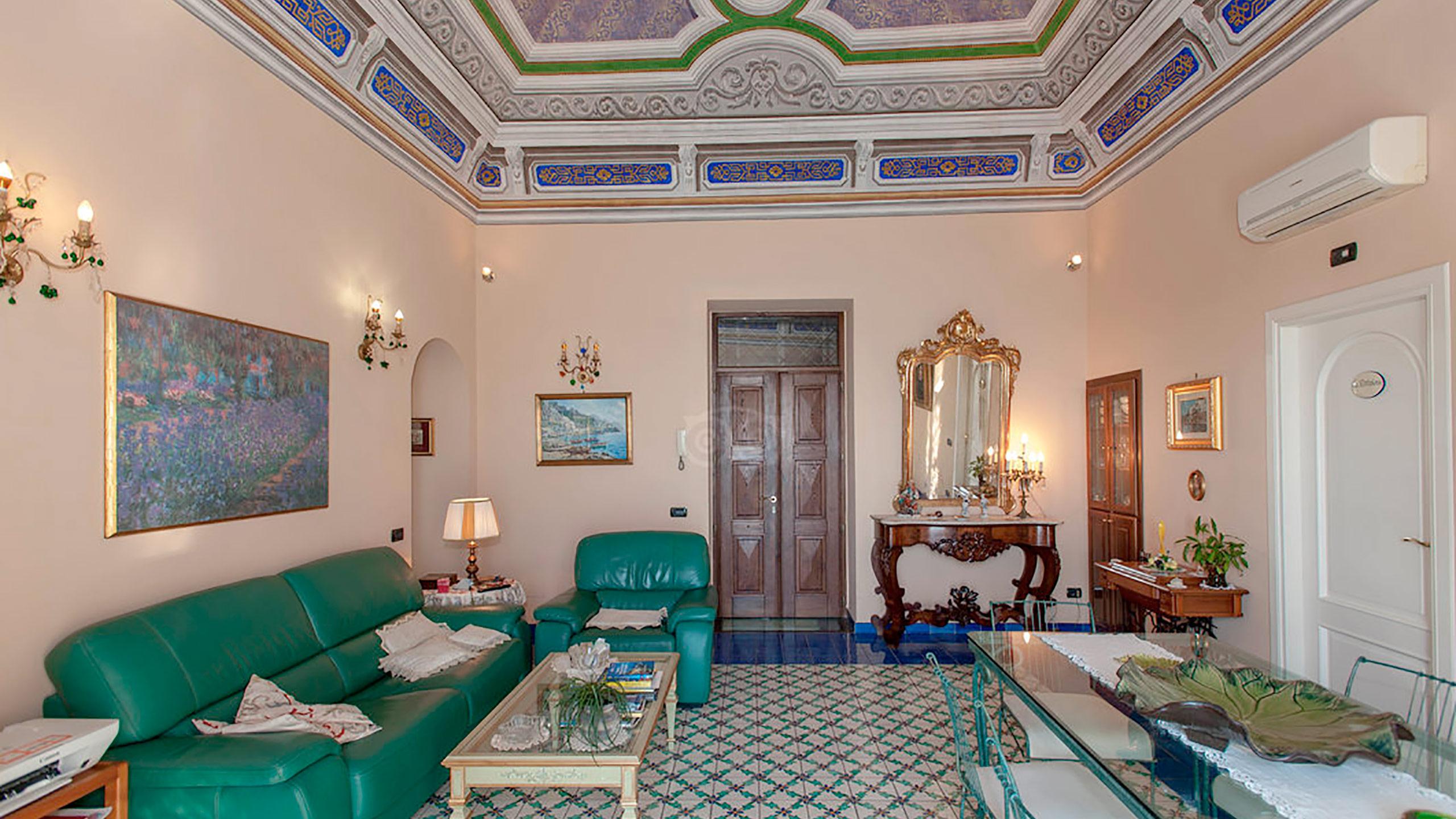 living-room--v10056942
