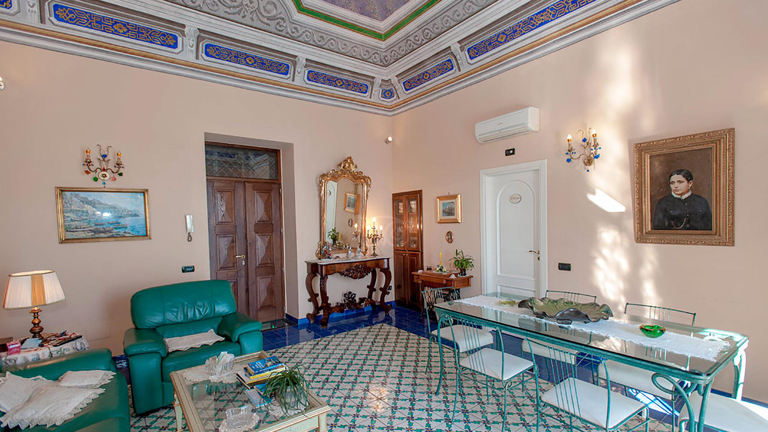 living-room--v10056958