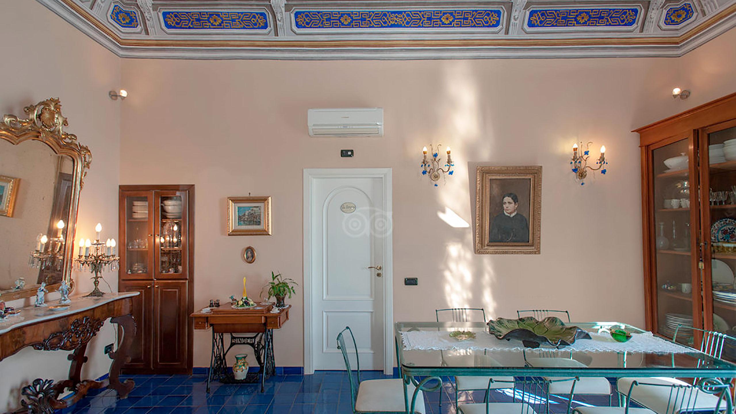 living-room--v10056970