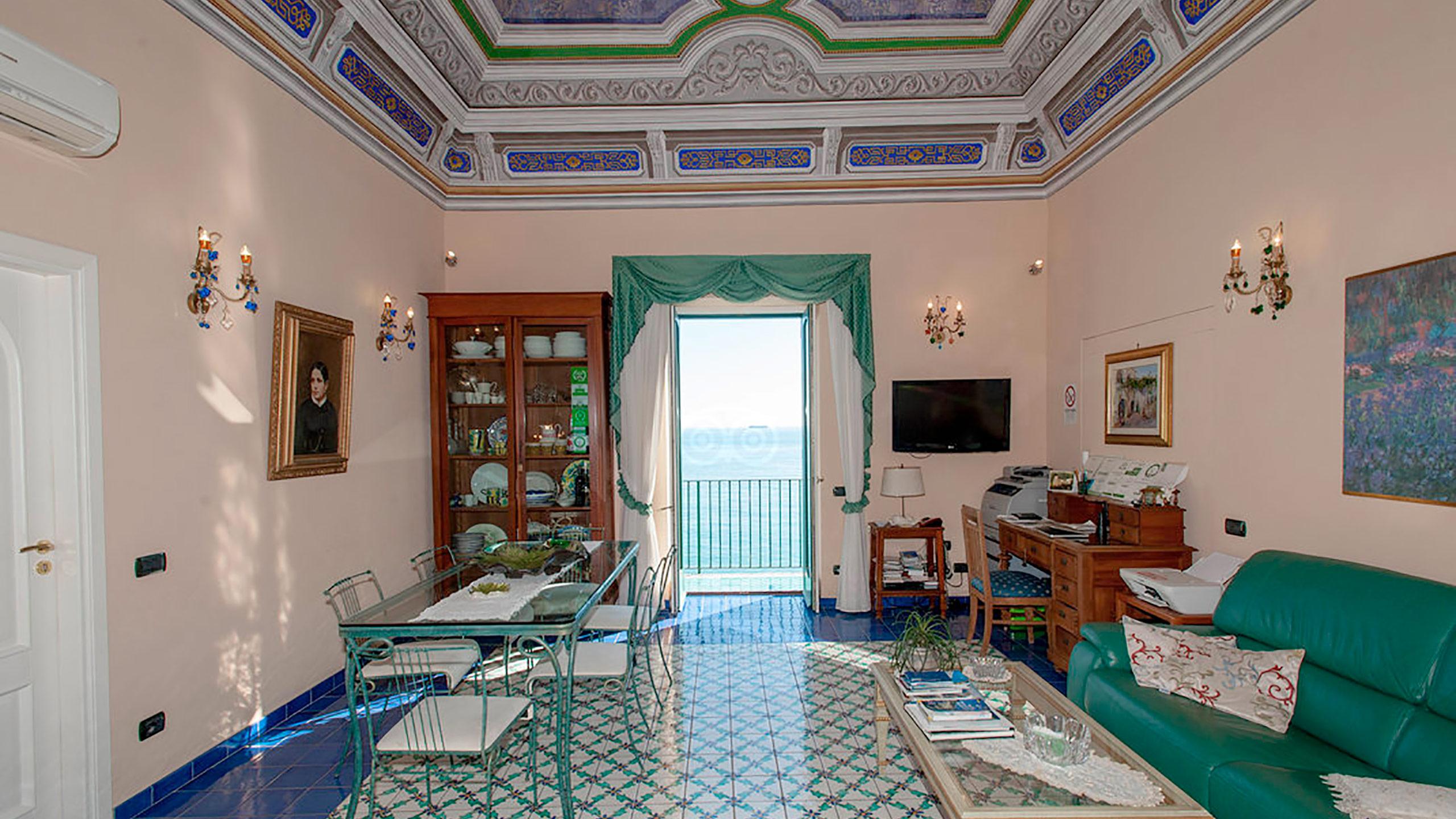 living-room--v10056984